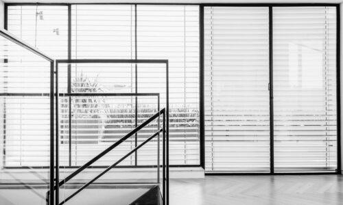 דירת גג בתל-אביב – מוצרי הברזל ממשיכים את הקו העיצובי הנקי