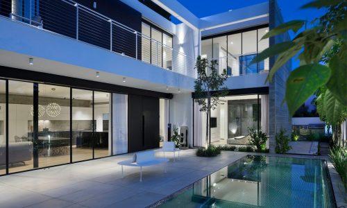 בית ברמת השרון – פרופיל בלגי ברזל בסגנון מודרני ומינימליסטי