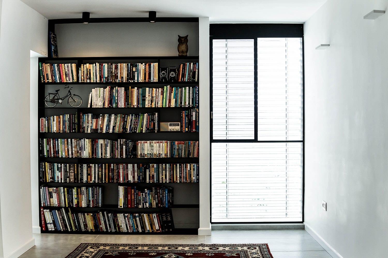 דירה מעוצבת בתל-אביב – פרופיל בלגי וברזל שחור