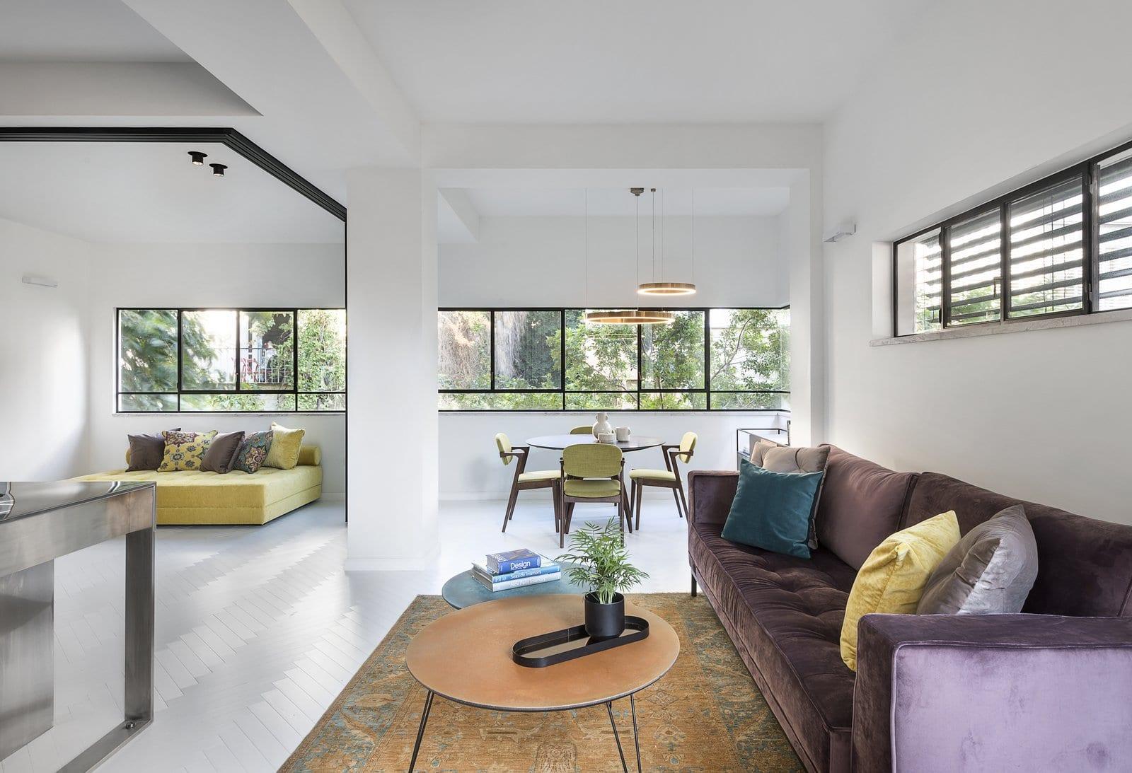 דירה בתל אביב – פרופיל בלגי שחור, מינימליסטי ונקי