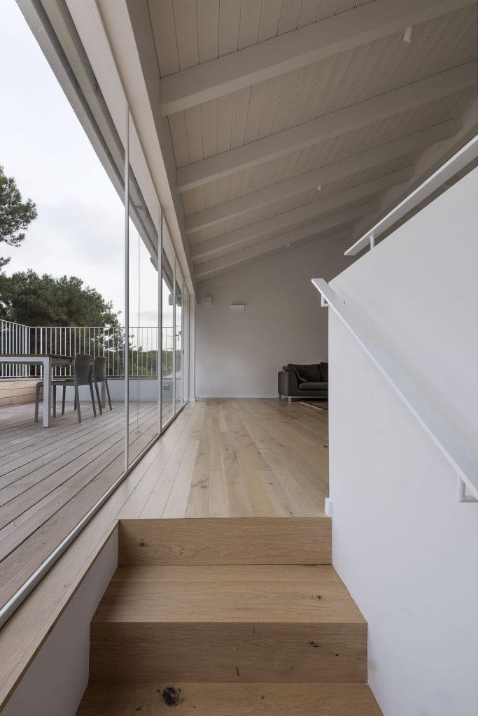 Sliding window, huge window, showcase window with minimalist iron profile in white