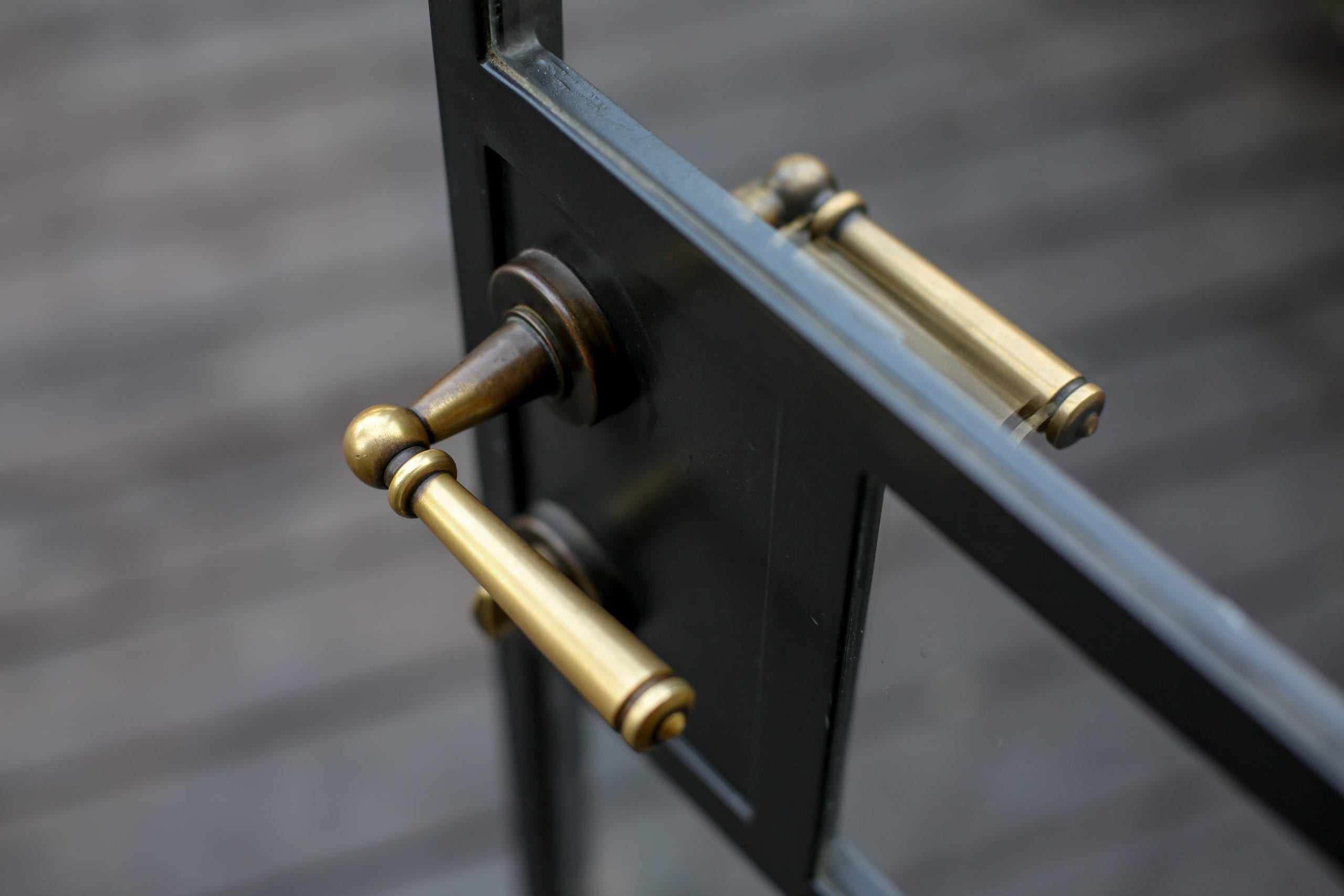מבחר ידיות לחלונות ודלתות של וסרמן