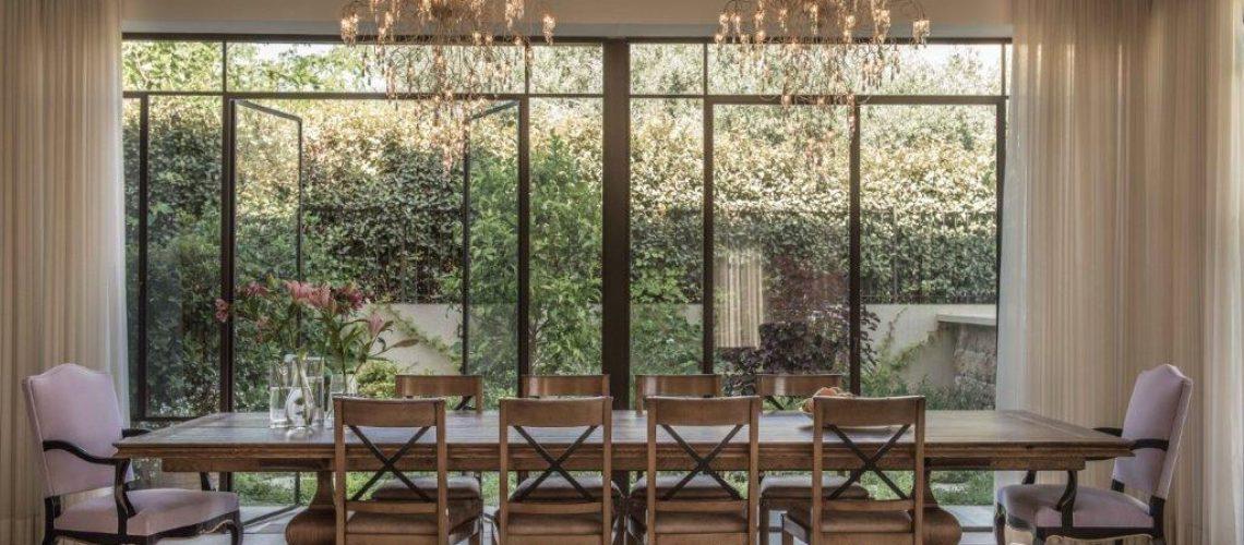 פרופיל בלגי בעיצוב קלאסי שמשתלב בקו הכפרי והחם של הבית