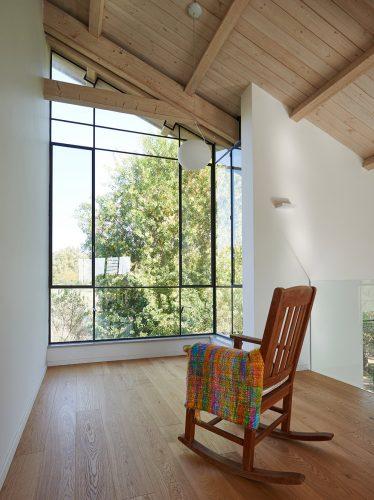 בית באודים - התאמה מושלמת של החלונות לקווי המבנה